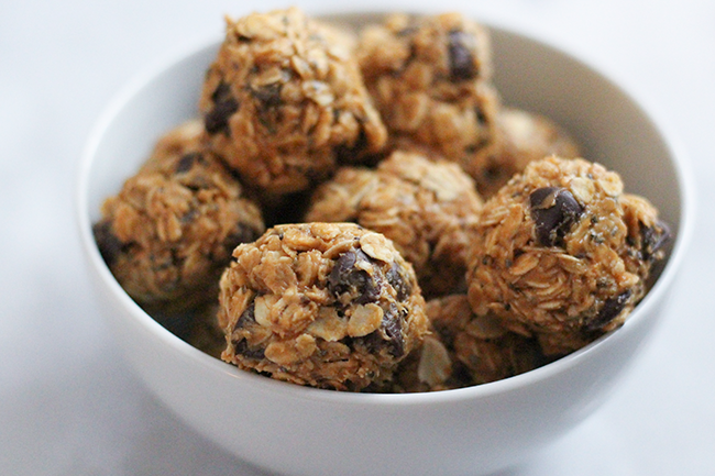 Oatmeal Chocolate Chip Peanut Butter Bites