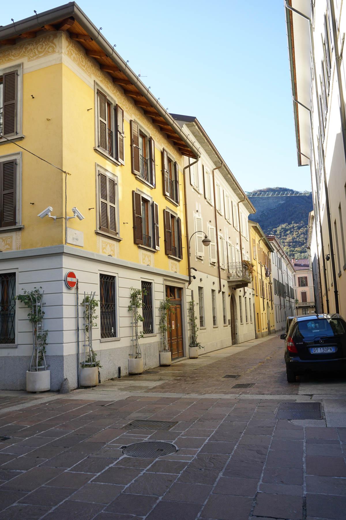 Lake Como, Italy | Lake Como in November featured by popular DC travel blogger, Monica Dutia