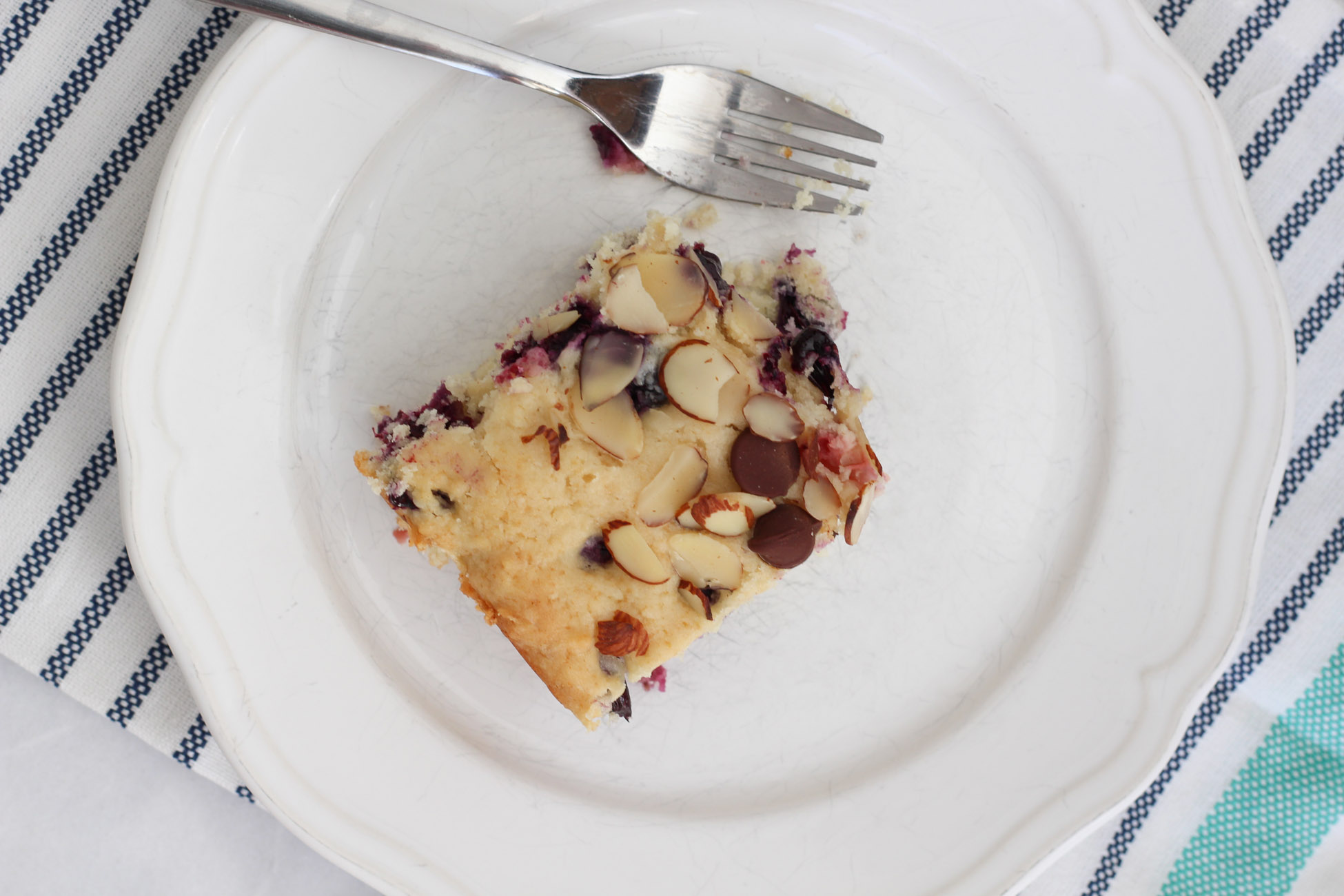 Berry Breakfast Cake | Cake & Lilies
