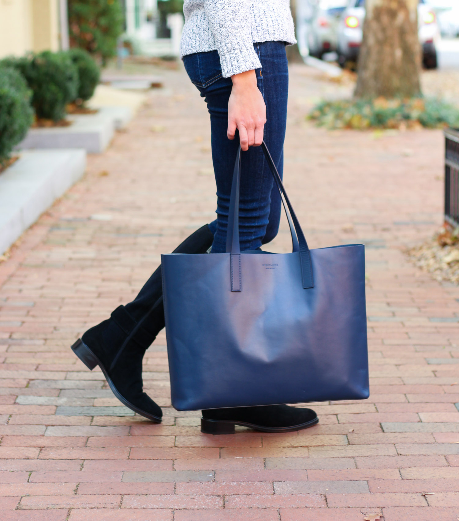 Everlane leather tote - Aquatalia Giada Boots review featured by popular Washington DC style blogger, Monica Dutia