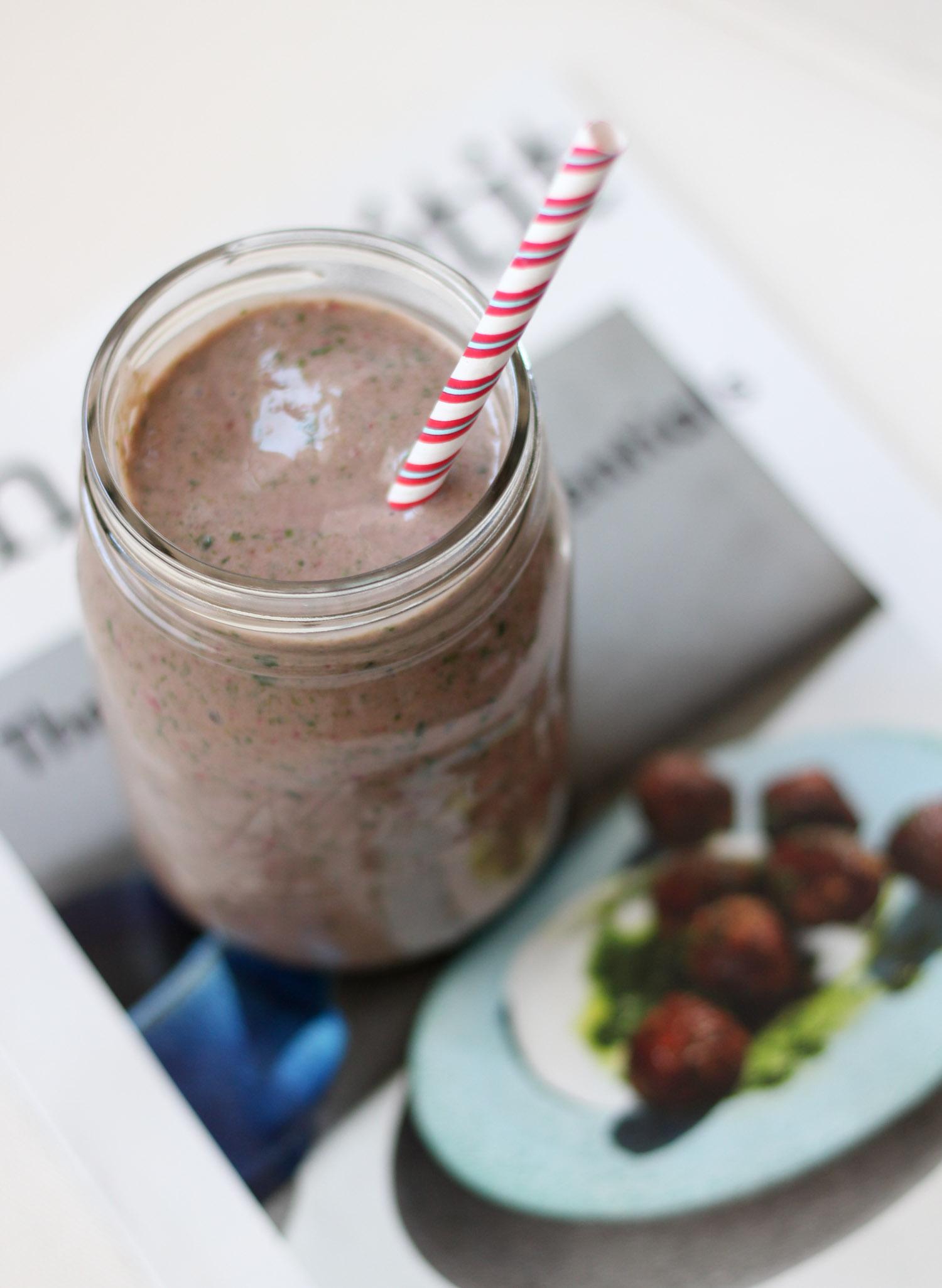 """Chocolate Strawberry Protein """"Milkshake"""""""