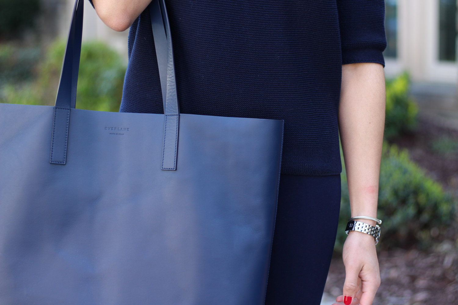 Everlane Market Tote - All navy outfit featured by popular DC fashion blogger, Monica Dutia