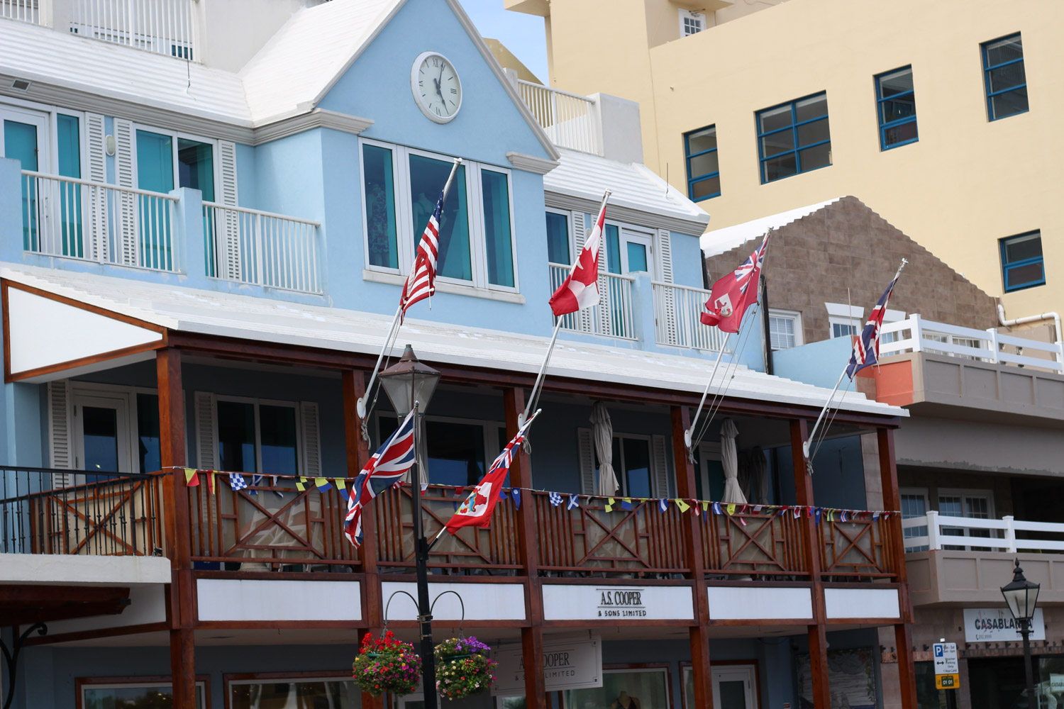Bermuda travel guide featured by popular DC travel blogger, Monica Dutia