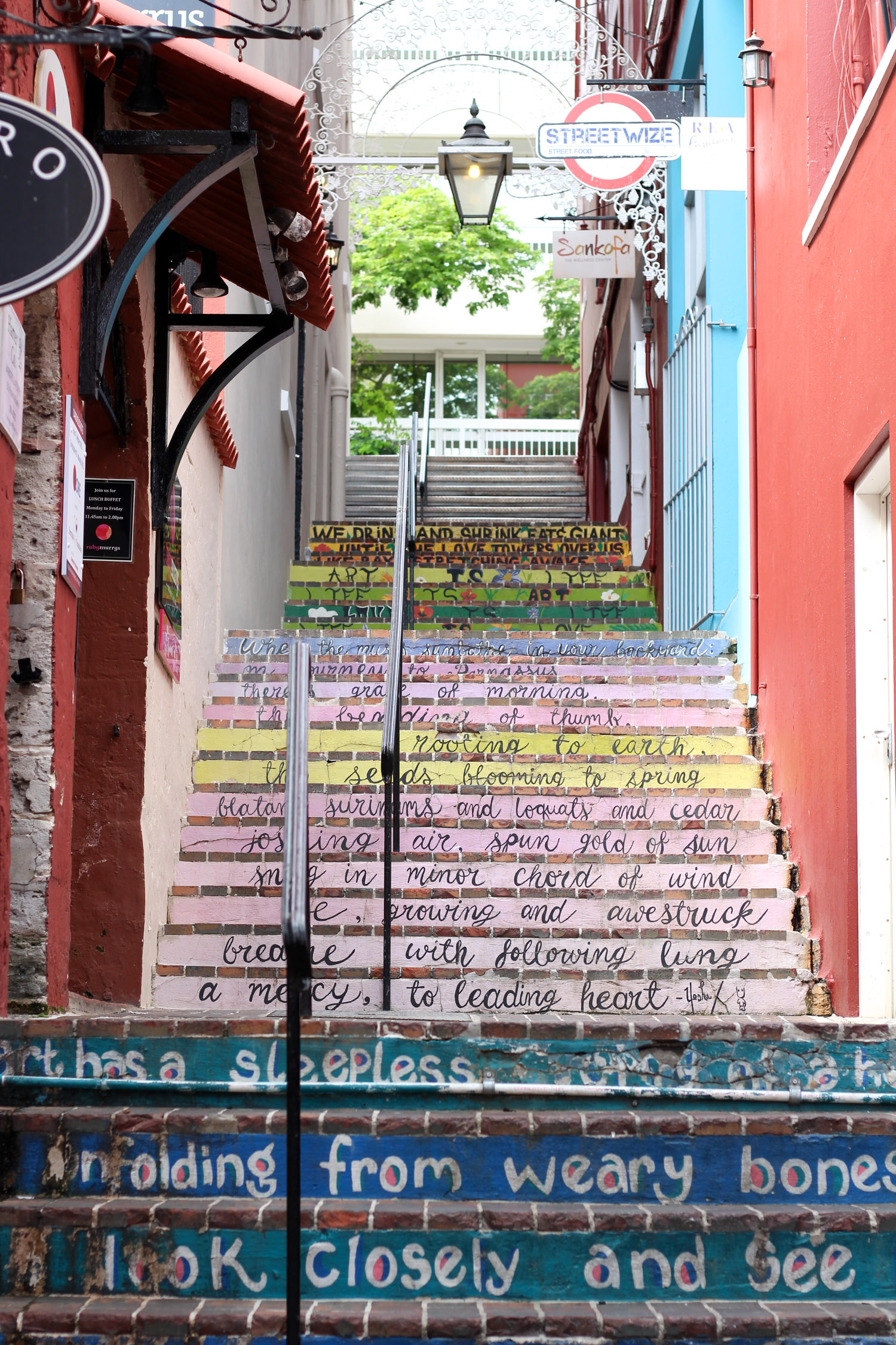 Downtown Hamilton Bermuda | Bermuda travel guide featured by popular DC travel blogger, Monica Dutia