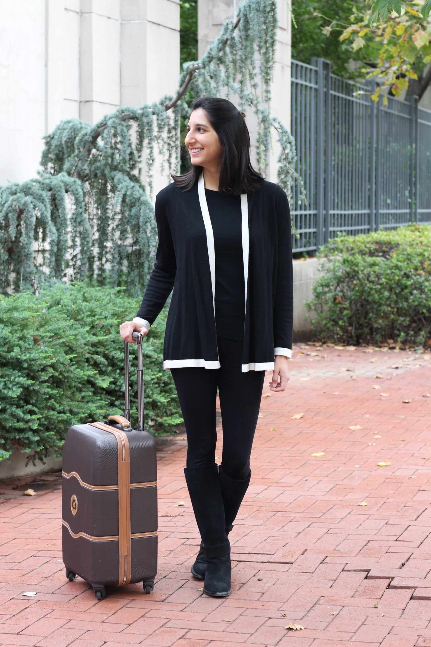 Comfortable travel outfit featured by DC fashion blog, Monica Dutia